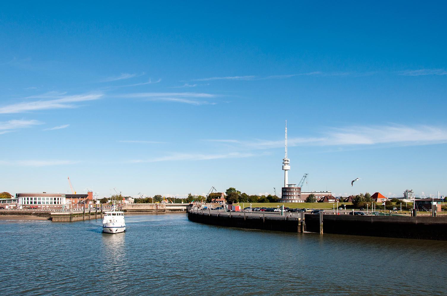 Hafenausfahrt in Wilhelmshaven