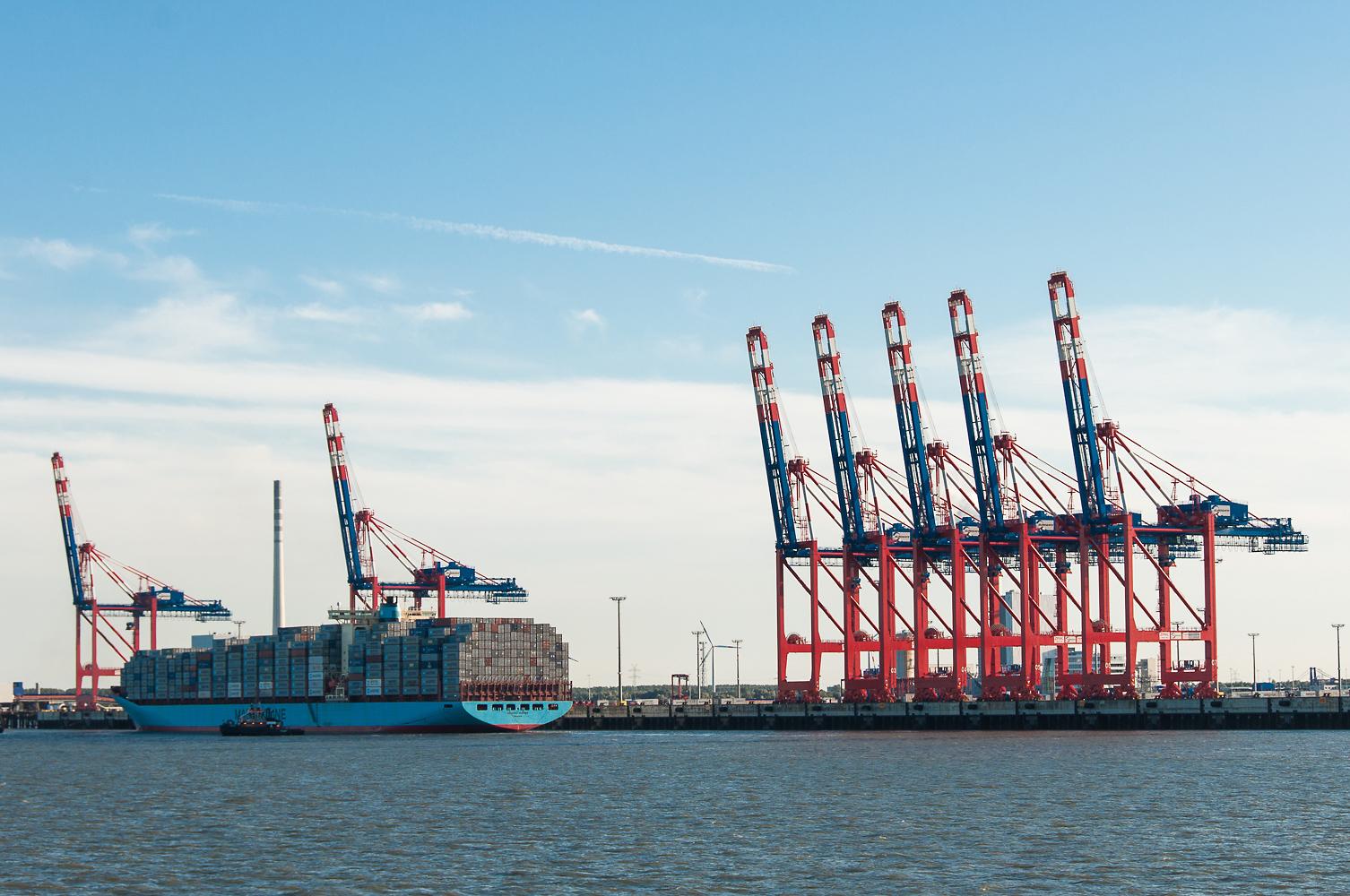 Schöne Überraschung auf der Rückfahrt: die Skagen Maersk läuft den JadeWeserPort an.